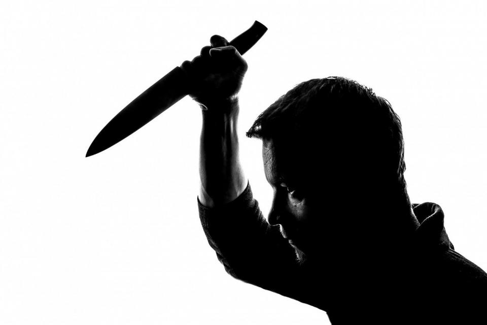 """Благодарение на бързата реакция на служители от РУ-Пазарджик и сектор """"Пътна полиция"""" е задържан мъж от Тетевен нападнал собственик на шивашки цех и негова..."""