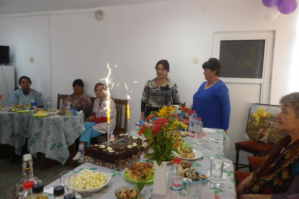 Четиригодишен рожден ден празнуваха в Центъра за настаняване от семеен тип в село Мамарчево в първия работен ден на тази седмица. Центърът вдъхна нов...