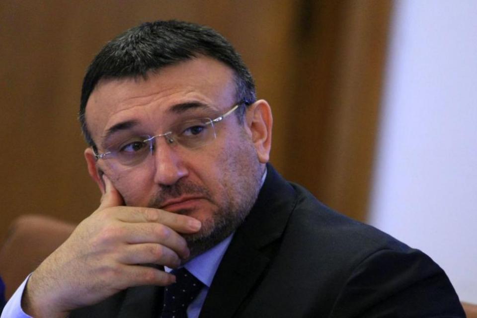 Най-вероятно човешка грешка и неспазване на правила е вероятната причина за инцидента в Ямбол. Това заяви вътрешният министър Младен Маринов, който участва...
