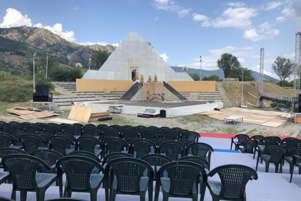Неподражаемият Мариус Куркински ще представи на сцената в Крепост Туида на 14 септември сборен моноспектакъл по всички свои досегашни представления. Поводът...