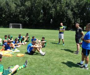 Местните футболни школи се обединяват