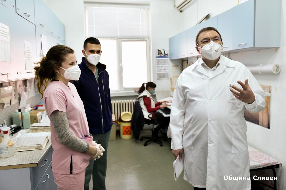 Ситуацията в Сливен е под контрол и поздравявам кмета Стефан Радев за допълнителните противоепидемични мерки, предприети от Общината за безопасното протичане...