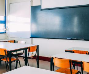 Министър Вълчев: Очаква се и по-големите ученици да се върнат в клас от 18 януари