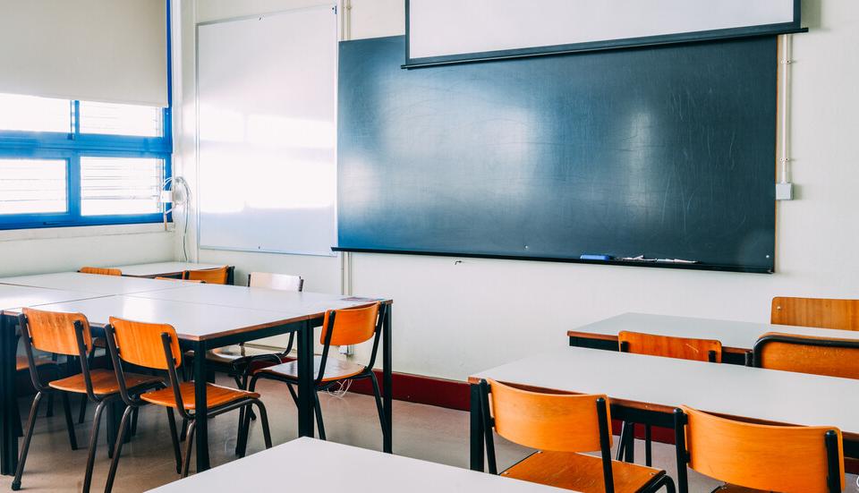 Вероятно от 18 януари поетапно и по-големите ученици ще се върнат в клас. Това обяви министърът на образованието Красимир Вълчев. Днес той е на посещение...