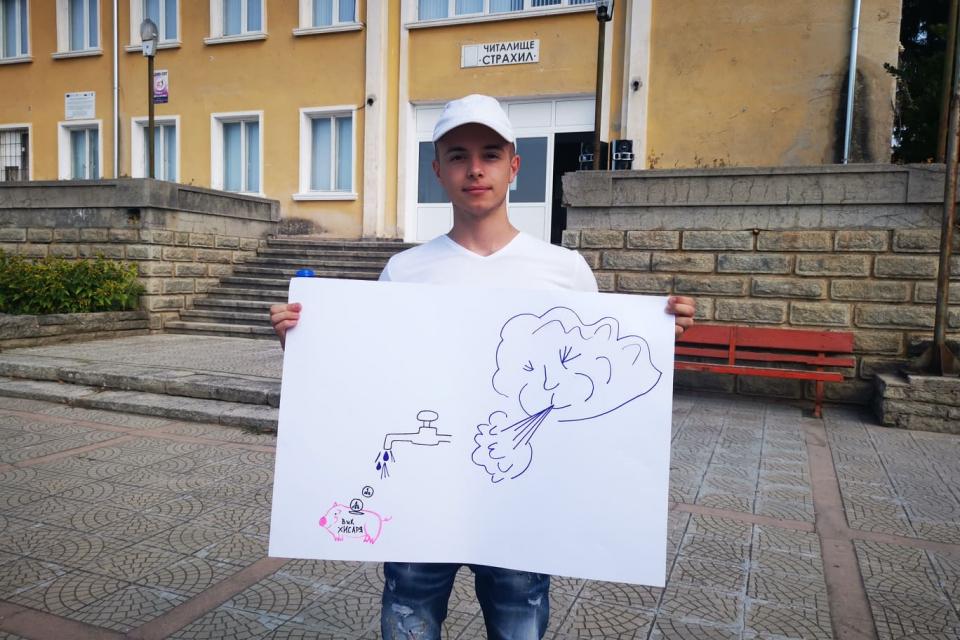 На мирен протест излязоха жителите на хисарското село Кръстевич. До затваряне на пътя Карлово – София не се стигна. На протеста дойдоха кметът на Хисаря...