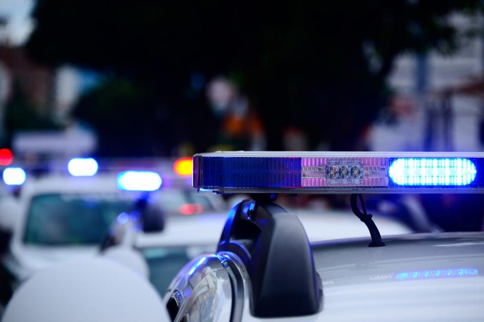 Около 08:00 сутринта днес лек автомобил БМВ е самокатастрофирал край гр. Кермен, научи 999. 30-годишен мъж е загинал. Автомобилът е излязъл от пътното...
