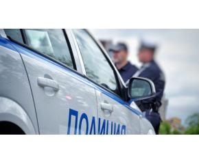 Млада ямболлийка открадна пет метални капаци на шахти в Бургас