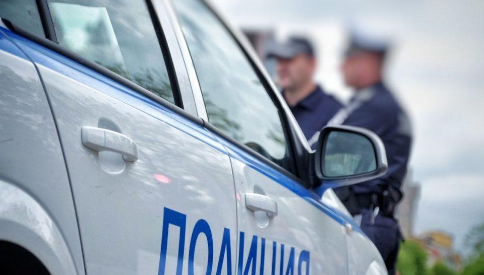 Служители от Четвърто Районно управление – Бургас установили извършителката на кражбата на пет метални капаци от дъждоприемни шахти / общинска собственост/,...
