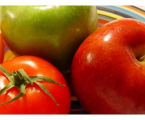 Много малка част от ябълките и доматите предлагани у нас са български
