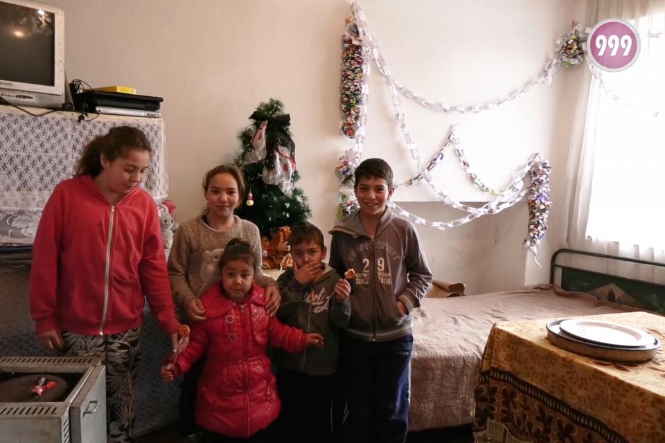 Запознайте се с Недка Иванова от село Маленово. Останала сама, отглежда 5 малки деца. И наистина вярва в чудеса, защото всички са здрави, а празничната...
