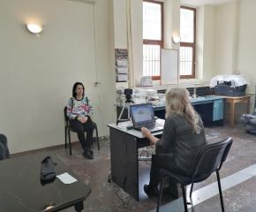 Мобилен екип прие на място заявления за подмяна на личните документи в Сливен