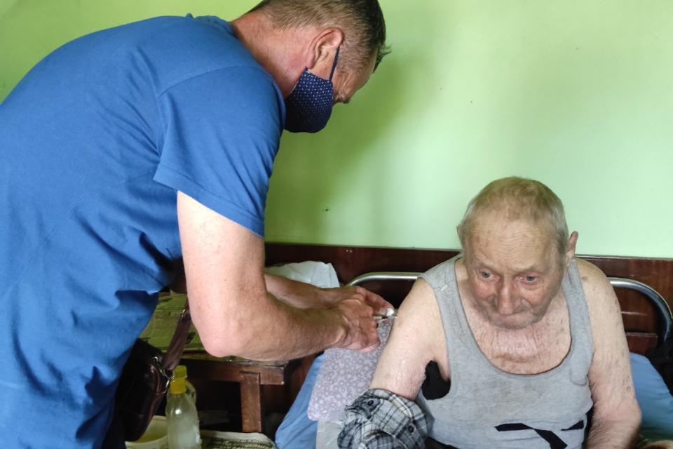 В още три тунджански села мобилен екип на РЗИ – Ямбол извърши имунизация срещу коронавирус на желаещи по предварително уточнен график. Днес мобилният...