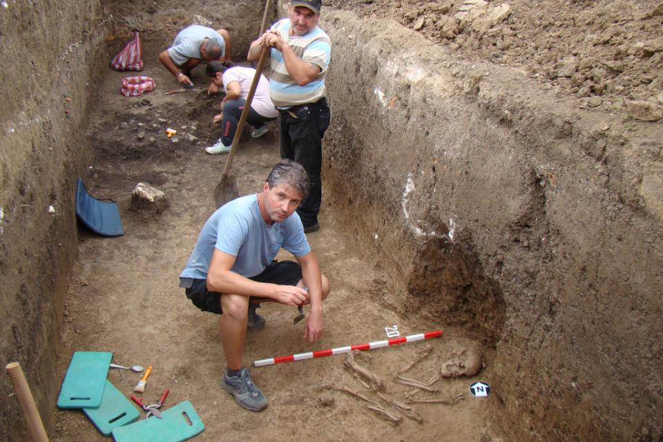 Днес от 18.00 ч. в Историческия музей ще бъдат представени резултатите от проведените теренни археологически проучвания на праисторически обекти през...