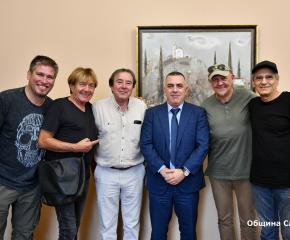 """Музикантите от """"Тангра"""" са впечатлени от зала """"Сливен"""" и града"""
