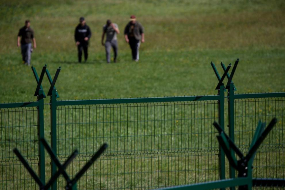 Вътрешното министерствовъзобнови проекта за кризисни центрове за настаняване на бежанци в Елхово и Любимец. Ведомството вече обяви обществена поръчка...