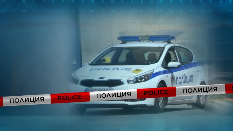 Скандал в купе във влака София - Бургас завърши с арест на 67-годишен мъж, съобщава БНТ. Друг на 35 години е в болница, без опасност за живота. Скандалът...