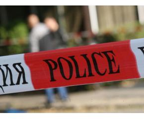 Мъж намушка с нож охранител и минувач в Горна Оряховица