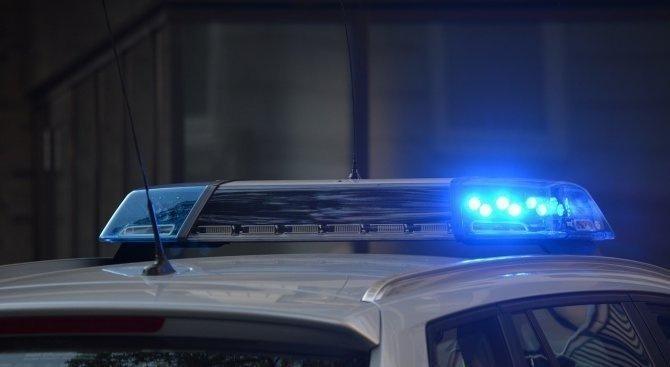 Криминалисти на РУ-Сливен работят по заявление за извършена взломна кражба от търговски обект в град Сливен. През нощта на 6 срещу 7 януари неизвестен...