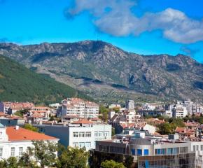Над 1 500 са имениците в община Сливен