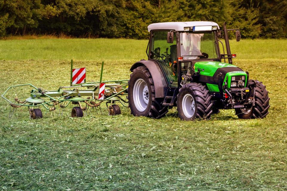 Над 100 хиляди са заявленията за субсидиране, подадени в тазгодишната кампания, съобщават от Министерството на земеделието. Срокът за подаване на заявленията...
