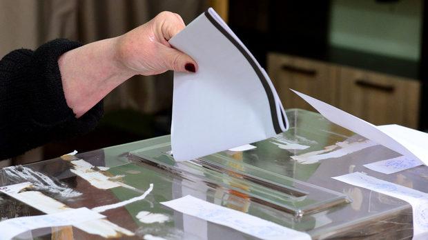 """Над 1400 избиратели от квартал """"Каргона"""" и от централна градска част в Ямбол ще имат..."""