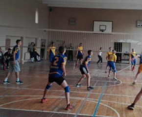 Награждават най-добрите ученически отбори по волейбол на Ямбол