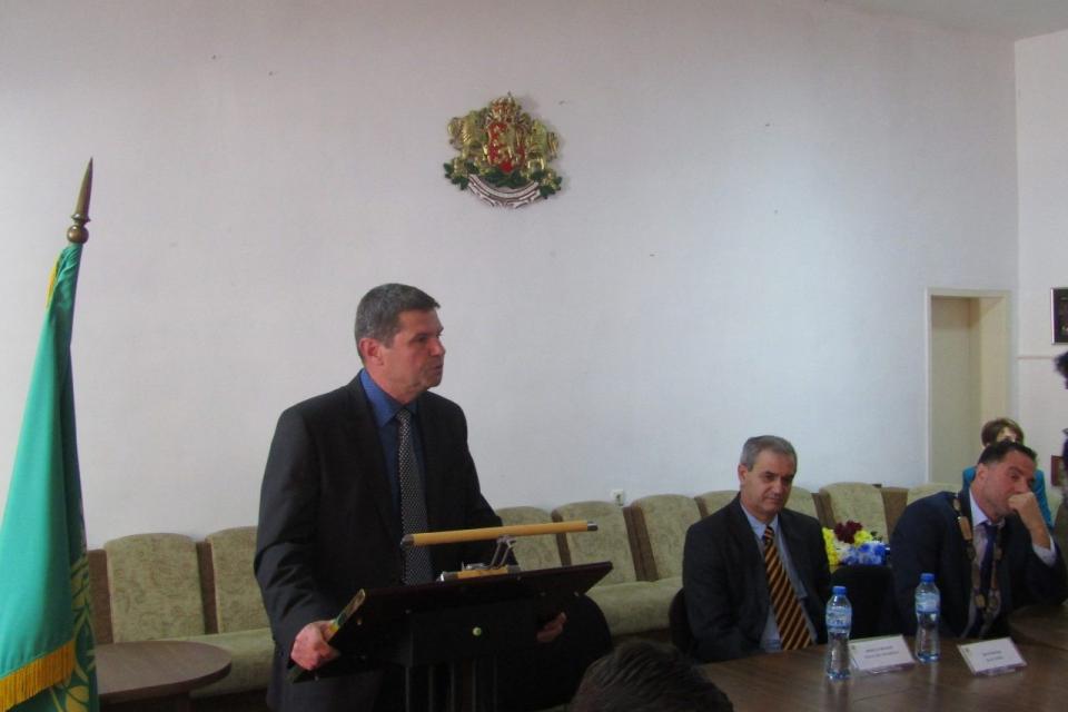 На 14 ноември от 10,00 ч. в Стралджа ще се проведе второто заседание на ОбС. Според дневния ред, определен от председателя инж.Иван Митев, като начало...