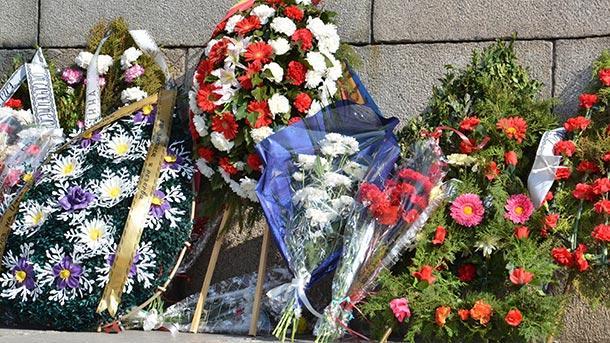 Днес се навършват 145 години от бунта в ямболското село Бояджик. Пред паметника на загиналите ще бъдат поднесени венци и цветя в знак на признателност,...