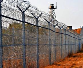 Назначиха проверка на част от оградата по границата