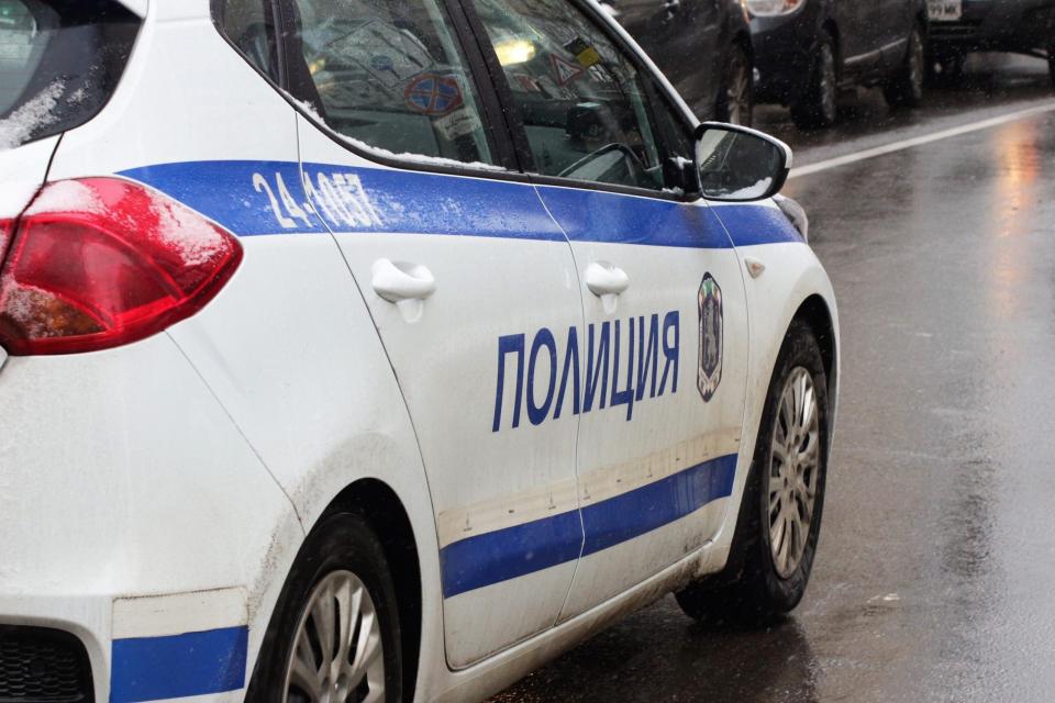 При операция по пътна безопасност на територията на ОДМВР-Сливен са установени неправоспособен водач, управление с неистинска шофьорска книжка и нерегистрирани...