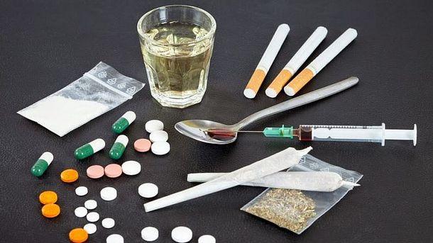 Нови психоактивни вещества, основно синтетична дрога, проникват у нас, те не се улавят от стандартните тестове, а само от кръвни проби, а лаборатории в...