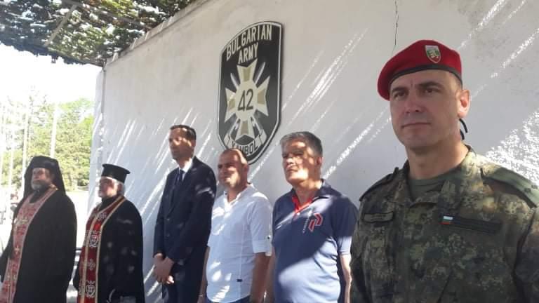 18 новоназначени военнослужещи от гарнизоните Ямбол, Стара Загора и Хасково, от състава на 2 механизирана бригада, положиха военна клетва, днес, 27.08.2020г....
