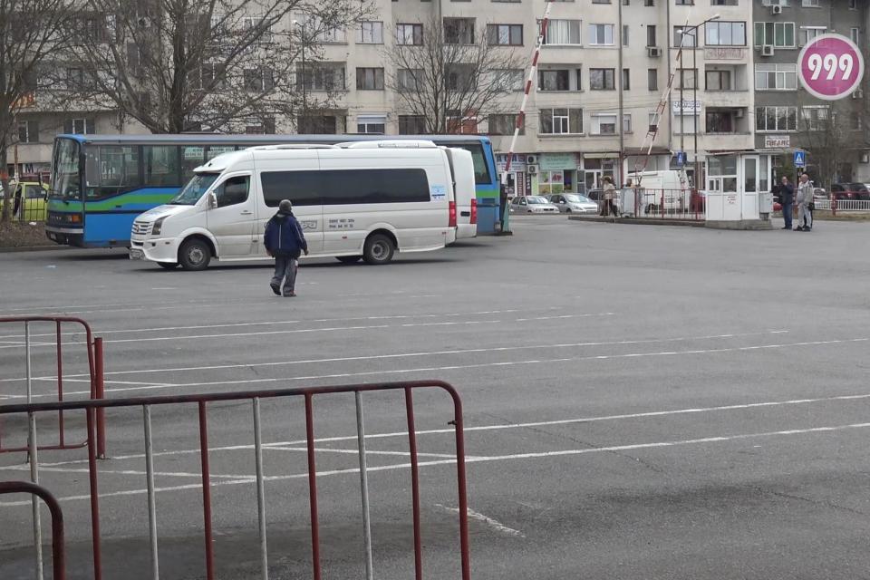 В началото на тази седмица стана ясно, че жителите на община Тунджа за застрашени да останат без обществен транспорт. Преговорите между превозвачите и...