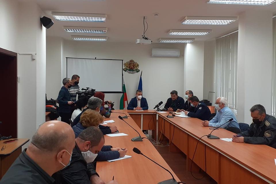 На провелото се заседание на Областна епизоотична комисия обект на обсъждане бяха две теми - възникнали случаи на Инфлуенца по птиците на територията на...