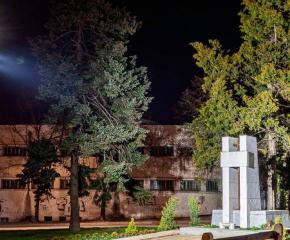 Облагородиха паметника на героите, дали живота си за националното ни освобождение в Ямбол
