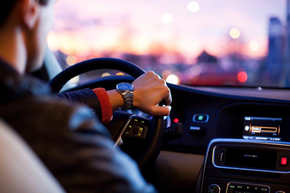 Почти половината млади шофьори признават, че са придобили уменията си след шофьорския курс, коментира Нова. Статистиката на КАТ показва, че за първите...