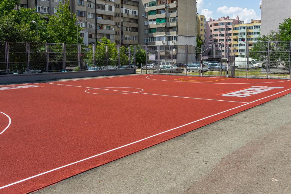 """Обновената площадката за баскетбол и минифутбол в близост до блок 86 в комплекс """"Граф Игнатиев"""" ще бъде бъде открита на 15 юли (четвъртък) с турнир по..."""