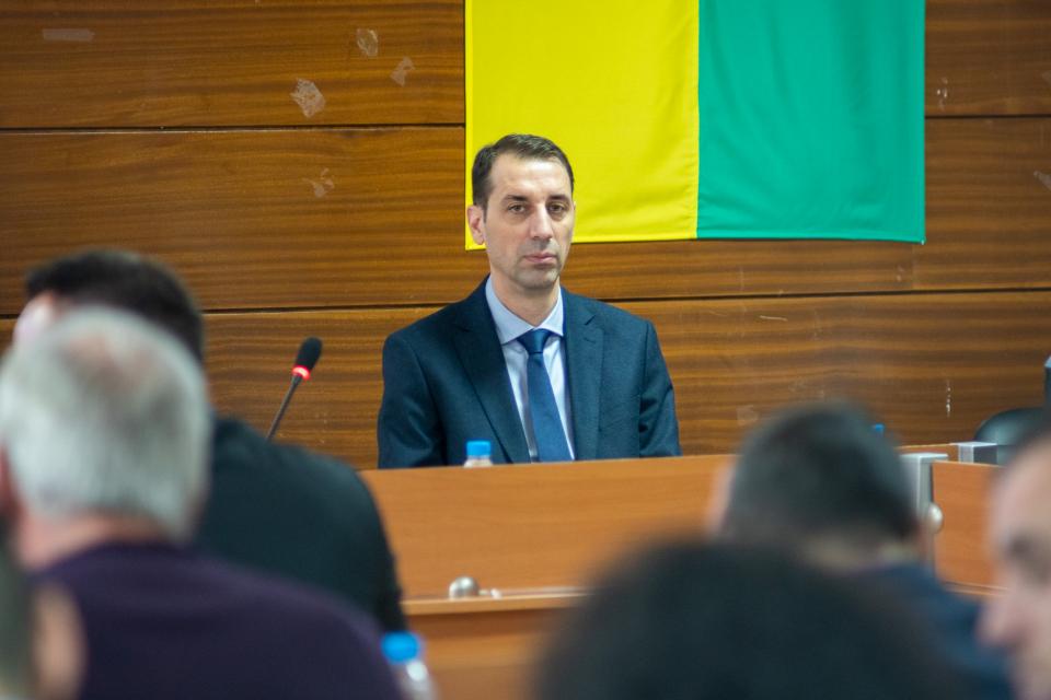 Окончателно е прекратена процедурата по облигационния заем от 9 млн. евро. Това стана с решение на Общински съвет-Ямбол, по предложение на кмета Валентин...