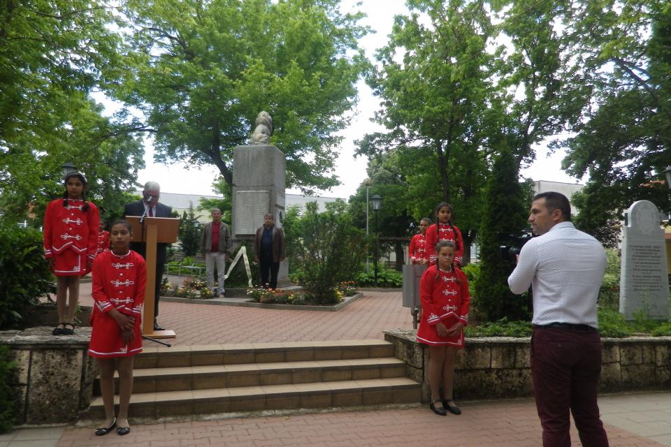 Втори юни - знаменателна дата за всеки българин! Ден за проверка, признателно съпричастие и духовно преклонение пред саможертвата на Ботев и хилядите национални...