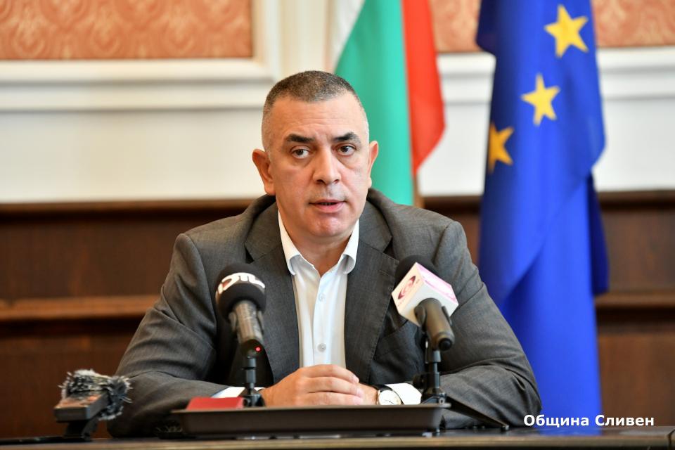 В Деня на възрастните хора – 1 октомври, кметът Стефан Радев призова жителите на общината да се възползват от възможността за ваксинация срещу Ковид-19....