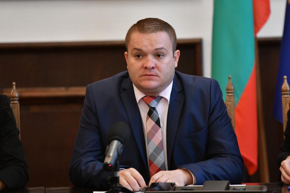 Община Сливен продължава дейностите по инфраструктурните проекти. На пресконференция днес заместник-кметът Румен Иванов съобщи, че се очаква разрешително...