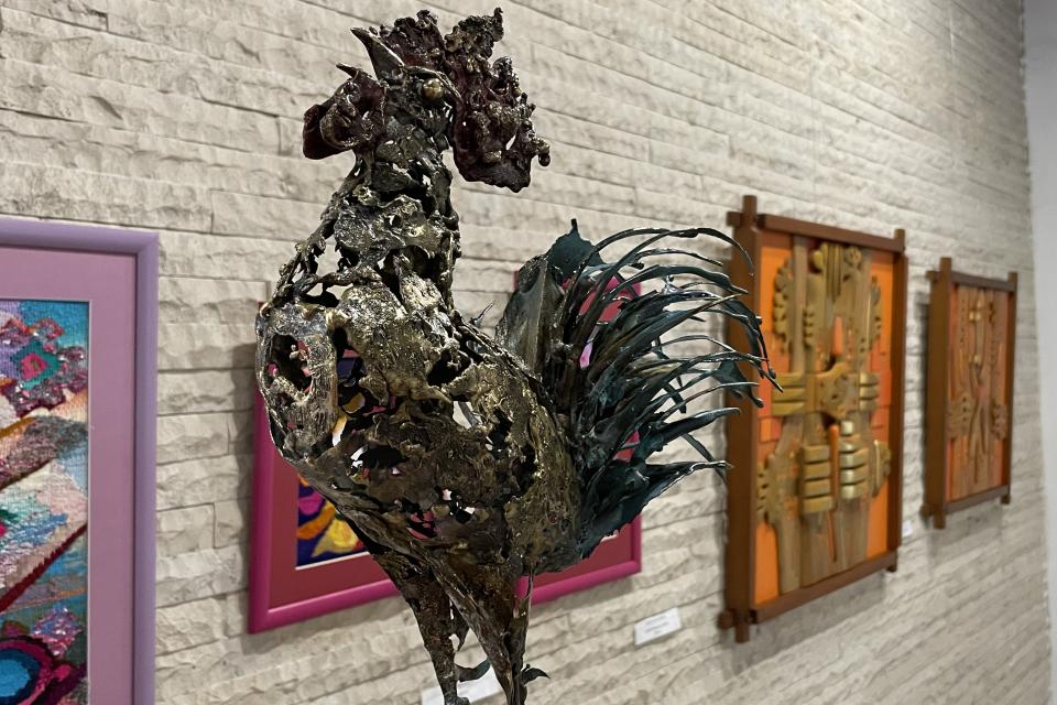 Община Ямбол откупи картини на талантливи местни художници. Повод за инициативата на общинското ръководство е желанието им да подкрепят усилията на ямболските...