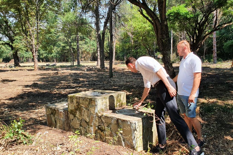 Община Ямбол стартира дейности по почистване и облагородяване местност Ормана в покрайнините на Ямбол. Предстои изграждане на игрища за футбол и волейбол...