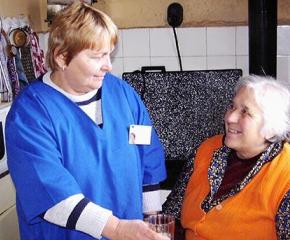 Общините настояват програмата за личните асистенти да бъде възстановена