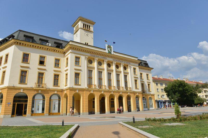 Извънредно заседание на Общински съвет-Сливен ще се проведе утре, 14 октомври. Председателят на местния парламент Димитър Митев поясни, че това се налага...