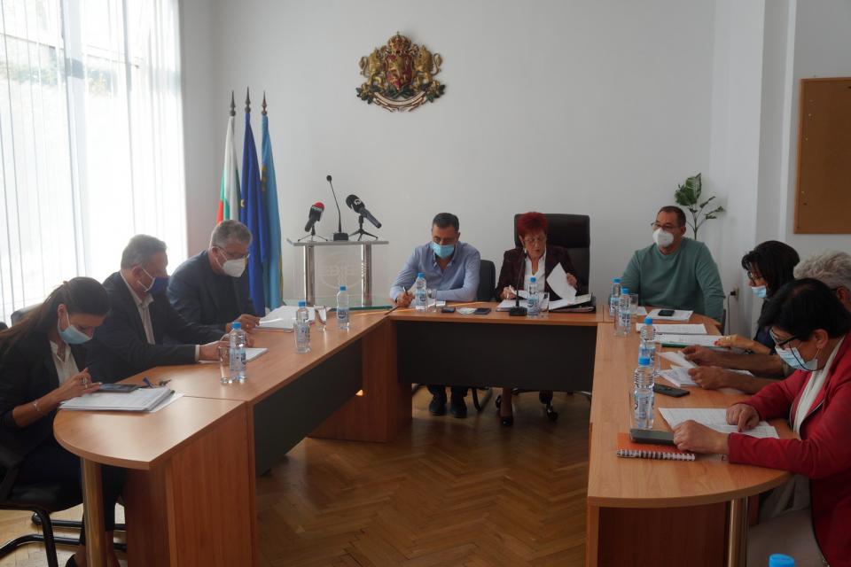 """Актуализация на капиталовите разходи за 2021 г. прие Общински съвет """"Тунджа"""" на заседанието си на 30 септември. Актуализацията включва увеличение със..."""