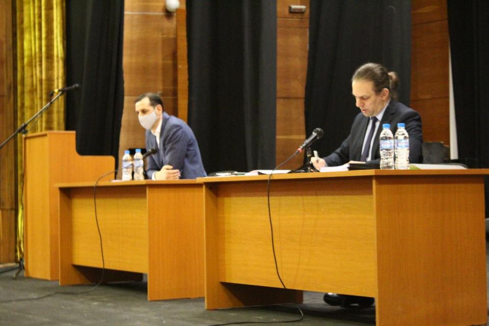 """Бюджетът на община Ямбол за 2021 г. беше утвърден на днешната сесия на Общинския съвет. Той беше приет с 23 гласа """"за"""", 9 – """"против"""", 2 – """"въздържал се"""". Кметът..."""