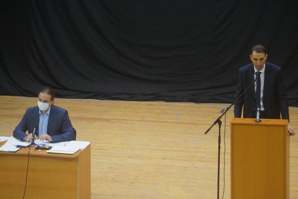 """С нови дейности беше натоварено общинското предприятие """"Комунални и обредни дейности"""" на днешната сесия на Общински съвет – Ямбол. Общинските съветници..."""