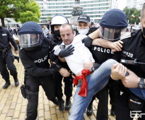 Общо 8 са задържани по време на протестни действия в столицата