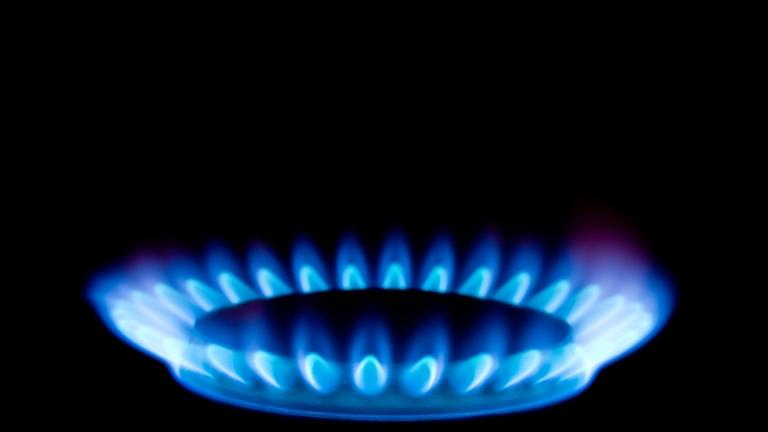 Предложението природният газ да поскъпне с близо 13 на сто от юни ще бъде обсъдено в енергийния регулатор. Тези разчети обаче са правени преди две седмици,...